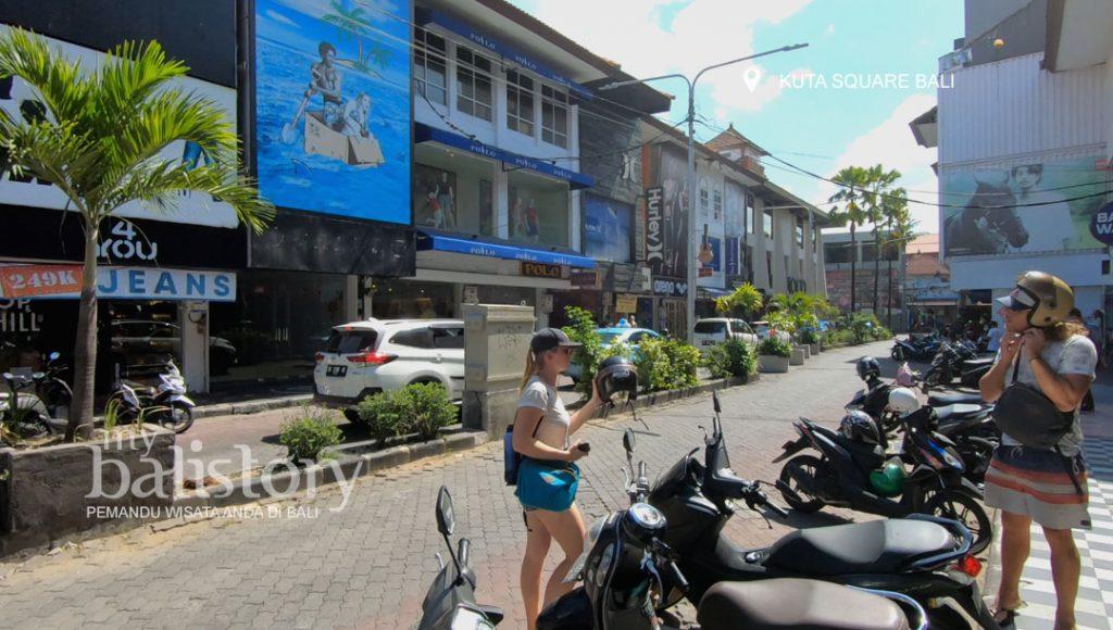 kawasan pertokoan Kuta Square Bali